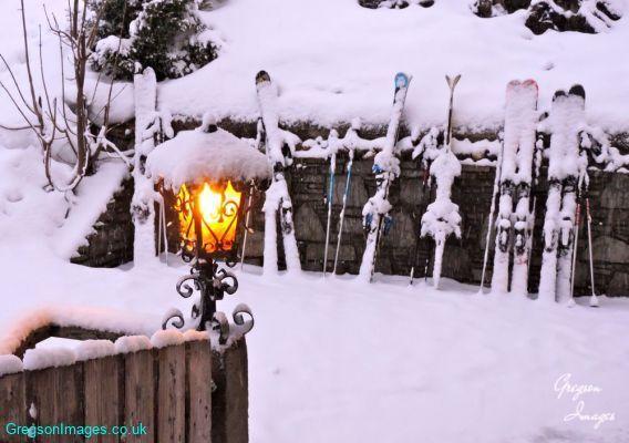 148-Heavy-snow-outside