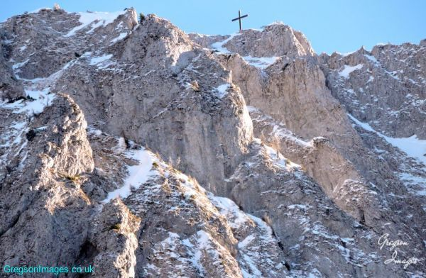 206-the-cross-at-the-top