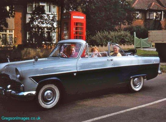 019-Mum-in-new-car-Mill-Hill-Sept57