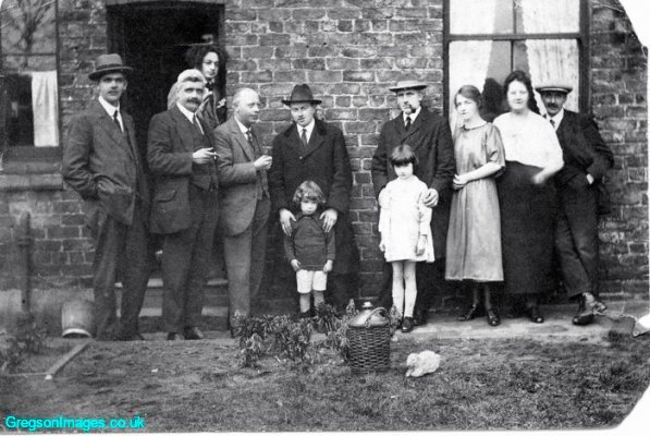 02-1923-dad-aged-4-in-liverpool