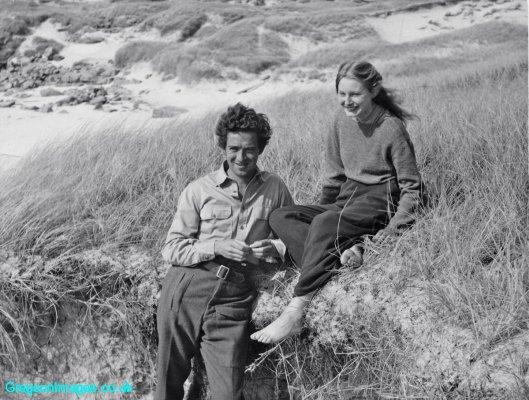 066-Mum-visiting-dad-on-location-on-Barra-1949