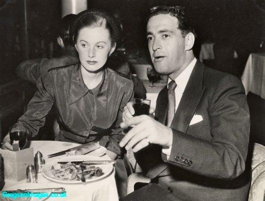 26-mum-and-dad-cafe-de-paris-1949