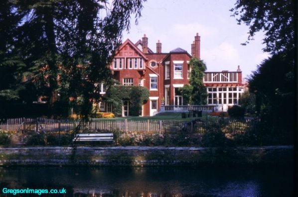 29-family-home-creek-house-1959