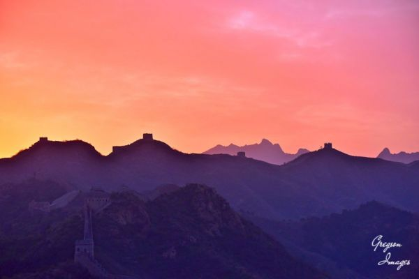 097-Dawn-breaking-over-the-Great-Wall